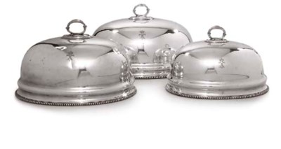 A SET OF THREE SIVER-PLATED ME
