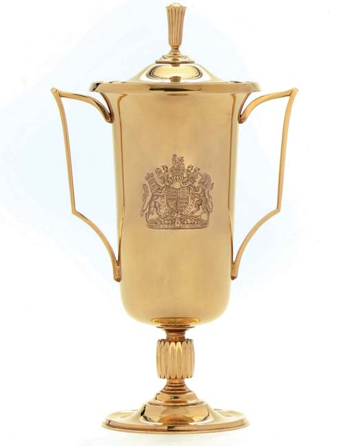 THE ASCOT GOLD CUP, 1963 A GOLD TWO-HANDLED TROPHY CUP AND COVER