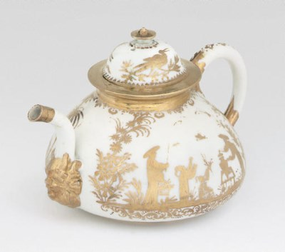 A MEISSEN GOLDCHINESEN SQUAT B