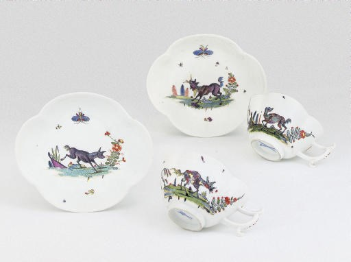 A PAIR OF MEISSEN SMALL QUATRE