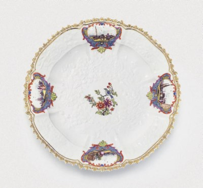 A MEISSEN SHAPED OCTAFOIL PLAT