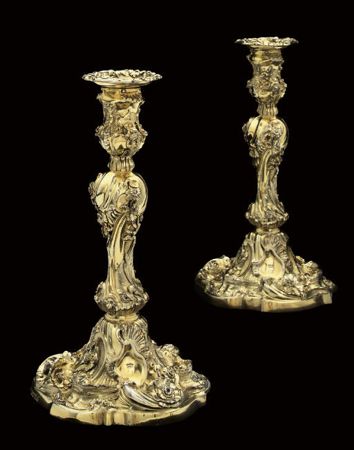 A PAIR OF WILLIAM IV SILVER CANDLESTICKS