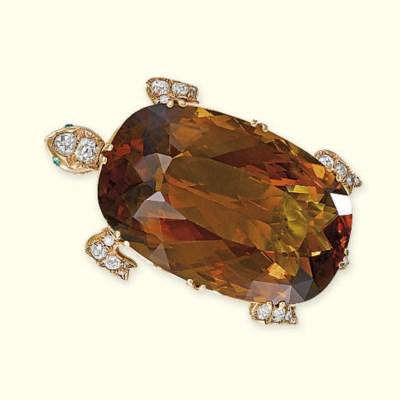 AN ANTIQUE CITRINE AND DIAMOND