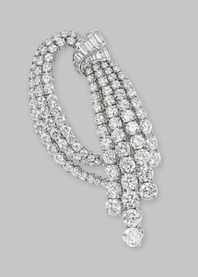 A DIAMOND BROOCH, BY VAN CLEEF