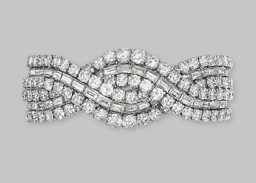 A DIAMOND BRACELET, MOUNTED BY