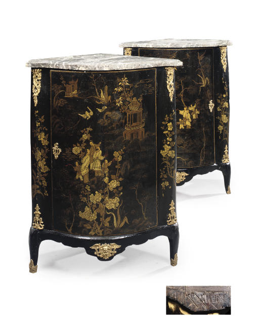 A PAIR OF LOUIS XV ORMOLU-MOUNTED BLACK AND GILT-JAPANNED ENCOIGNURES