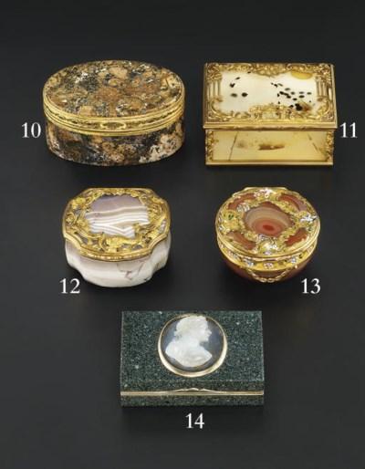 A GEORGE II ENAMELLED GOLD-MOU