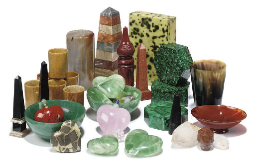 A GROUP OF HARDSTONE AND MARBL