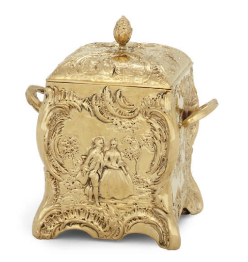 A CONTINENTAL SILVER-GILT BOX