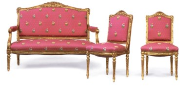 AN ITALIAN GILTWOOD CANAPE AND