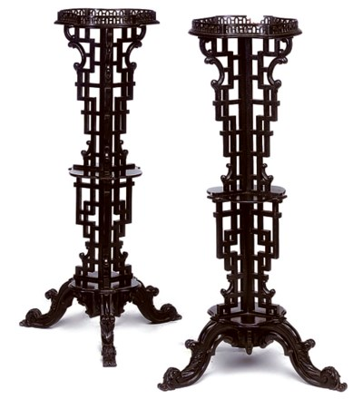 A PAIR OF VICTORIAN EBONISED T
