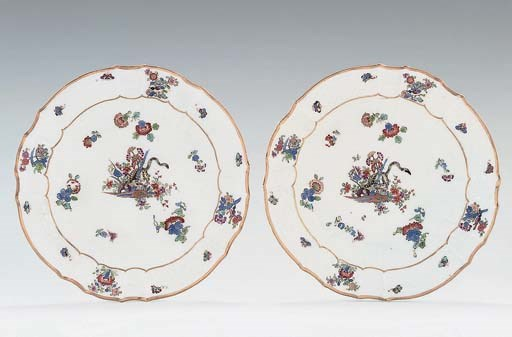 A PAIR OF MEISSEN KAKIEMON PLA