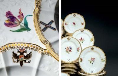 A set of sixty porcelain plate