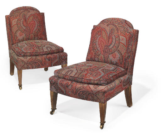 A PAIR OF MAHOGANY PAISLEY UPH