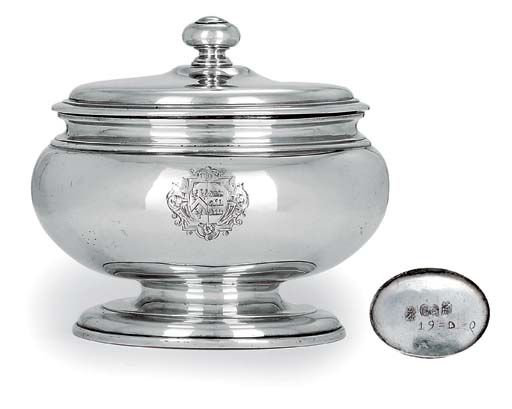 A GEORGE I SILVER SUGAR BOX AND COVER