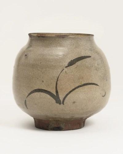 A Karatsu mizusashi [water jar
