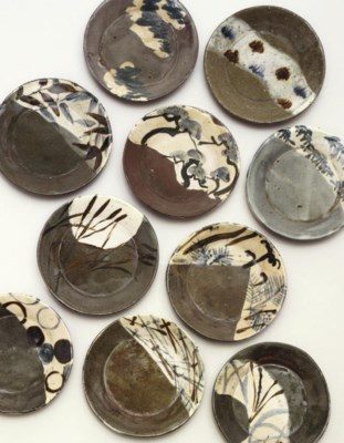 A set of ten dishes