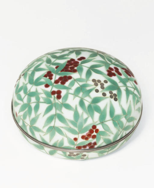 A cloisonné box and cover