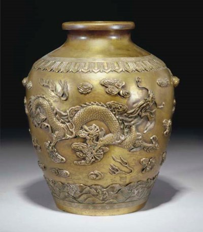 A Chinese bronze jar, 18th/19t