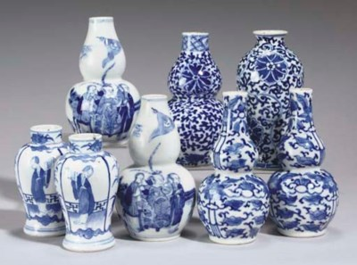Eight Chinese small blue and w