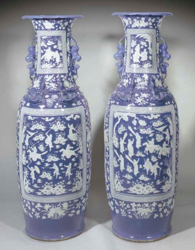 A pair of large Cantonese whit