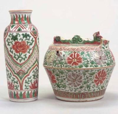 A Chinese wucai barrel-shaped