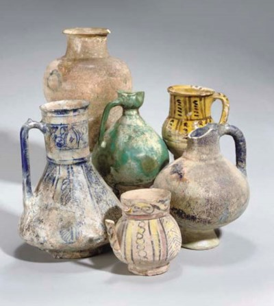 A GROUP OF POTTERY VASES, IRAN