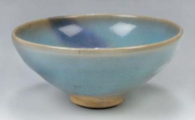 A Chinese junyao bowl, 13th/14