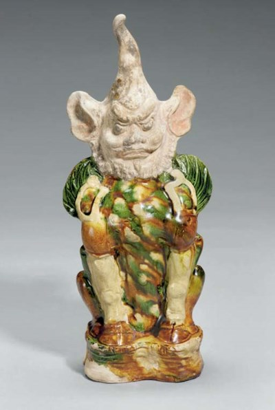 A Chinese sancai-glazed potter