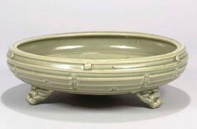 A Chinese 'Longquan' celadon b