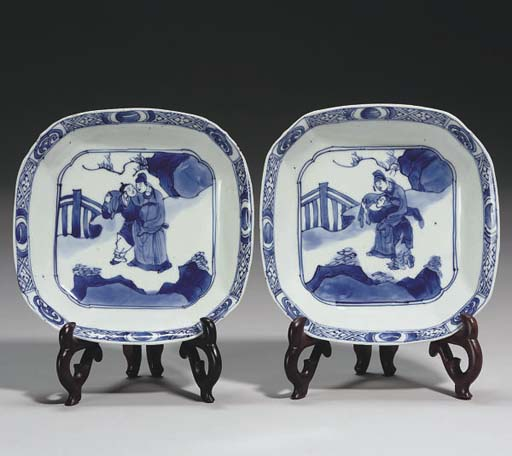 A pair of Chinese blue and whi