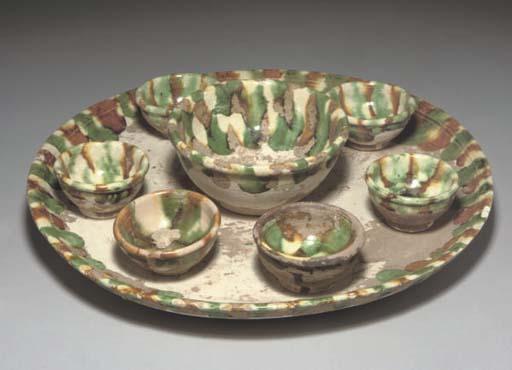 A Chinese sancai-glazed tray a