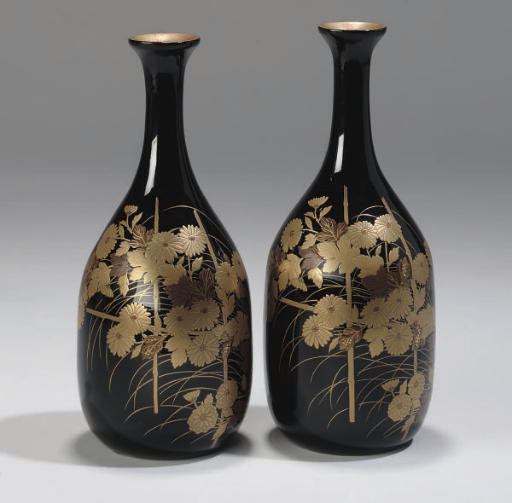 A Pair of Japanese black lacquered sake bottles (Tokkuri), 19th century