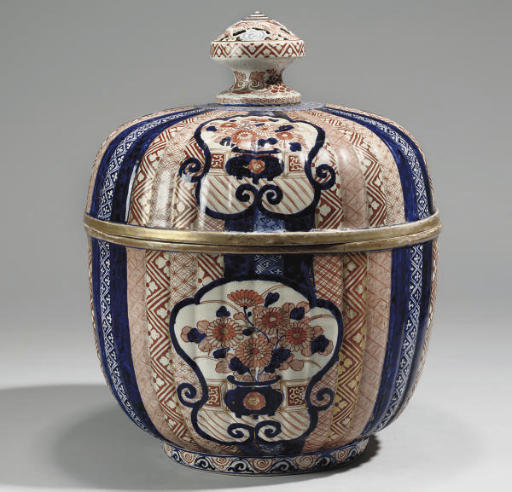 A large japanese imari bowl and cover, 19th Century