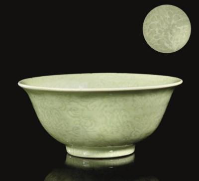 A Longquan celadon bowl, early