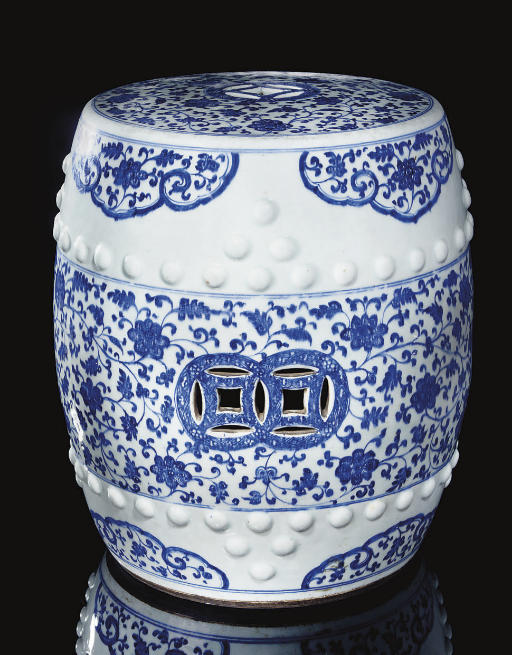A Blue and white barrel-formed