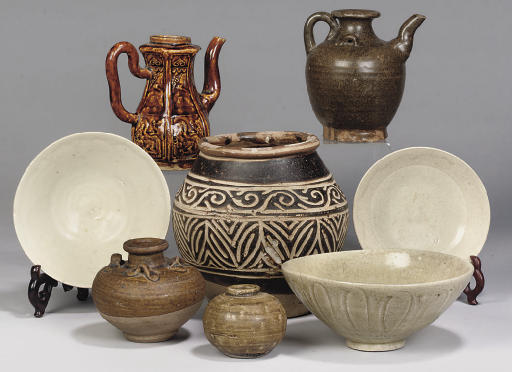 A Chinese brown glazed pottery