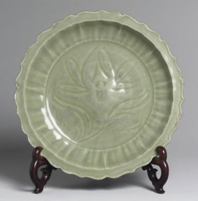 A Chinese carved 'Longquan' ce