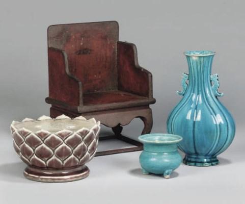 Three Chinese ceramics items;