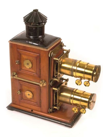 Biunial magic lantern travelli