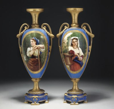 A PAIR OF ROYAL WORCESTER BLUE
