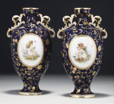 A PAIR OF MINTON BLUE-GROUND T