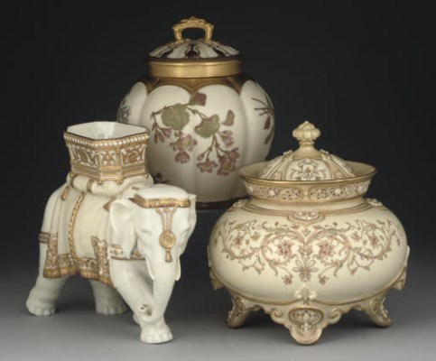 TWO ROYAL WORCESTER POT-POURRI