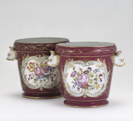 A PAIR OF PARIS PORCELAIN CLAR