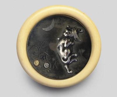 A kagamibuta netsuke, 19th Cen