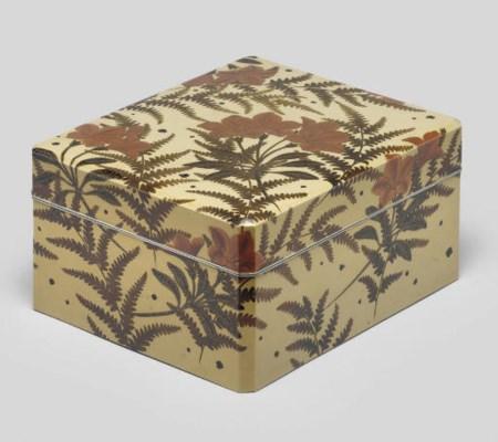 A lacquer bunko (document box)