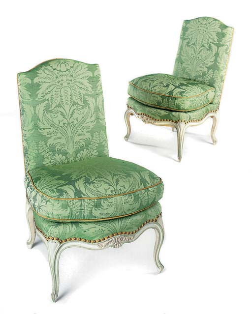 A PAIR OF PAINTED SIDE CHAIRS