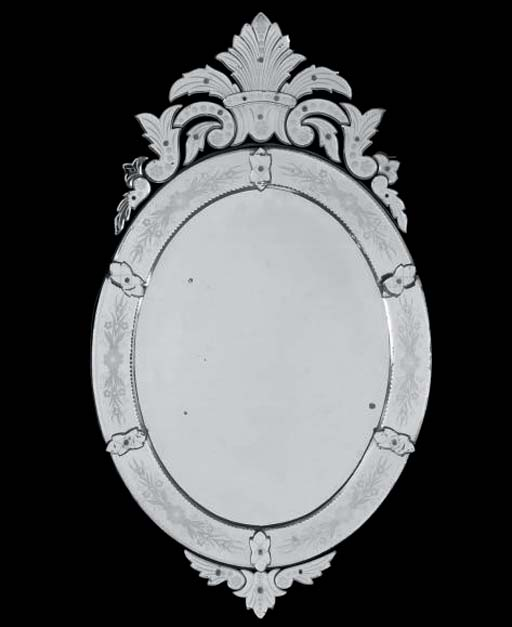 A VENETIAN OVAL ETCHED GLASS M