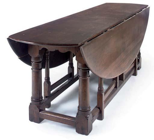AN OAK WAKE TABLE
