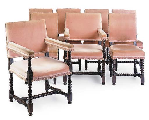 A MATCHED SET OF EIGHT OAK DIN
